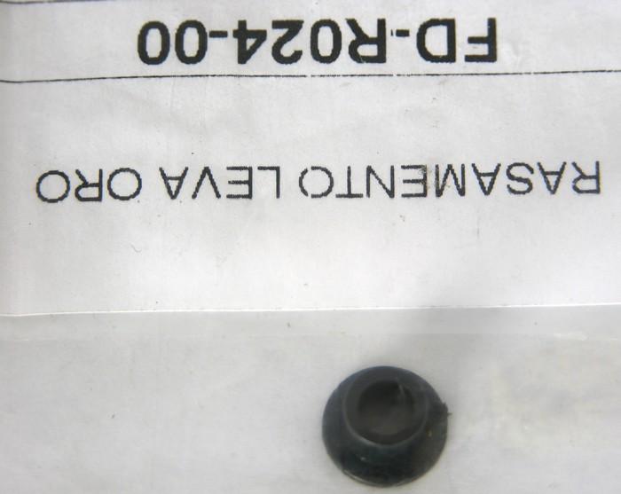 Pouzdro čepu páčky ORO plastové