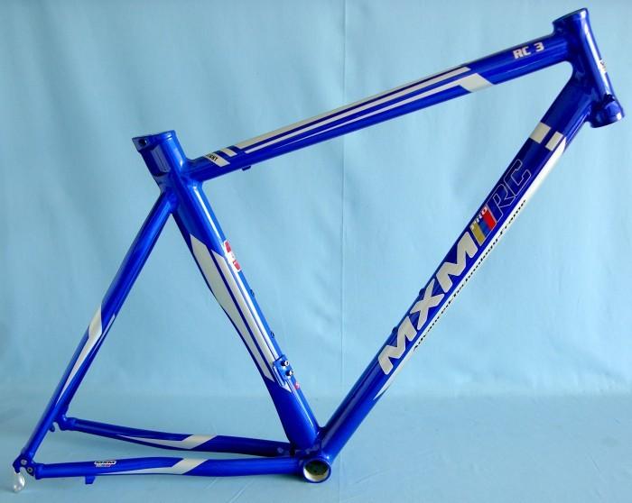 50 - Rám 28' MXM RC3 Silniční modrý bez vidlice a H.S.