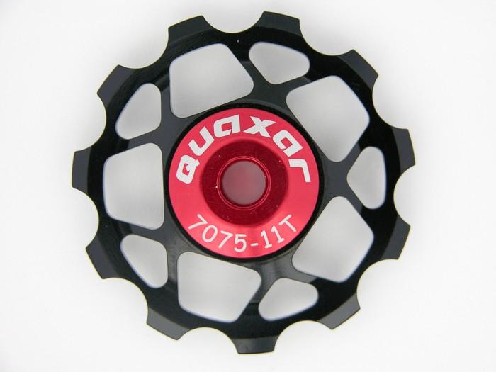 Kladka 11 zubů do přehazovačky černá Quaxar