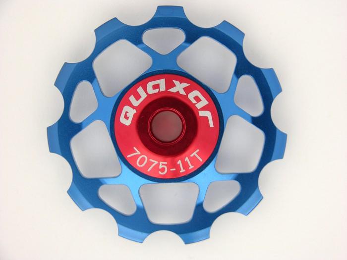 Kladka 11 zubů do přehazovačky modrá Quaxar